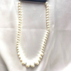 NEW‼️Charming Charlie pearl and diamond necklace